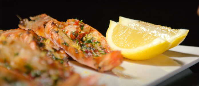 Wood-grilled-prawns-with-fried-garlic-and-chilli-oil